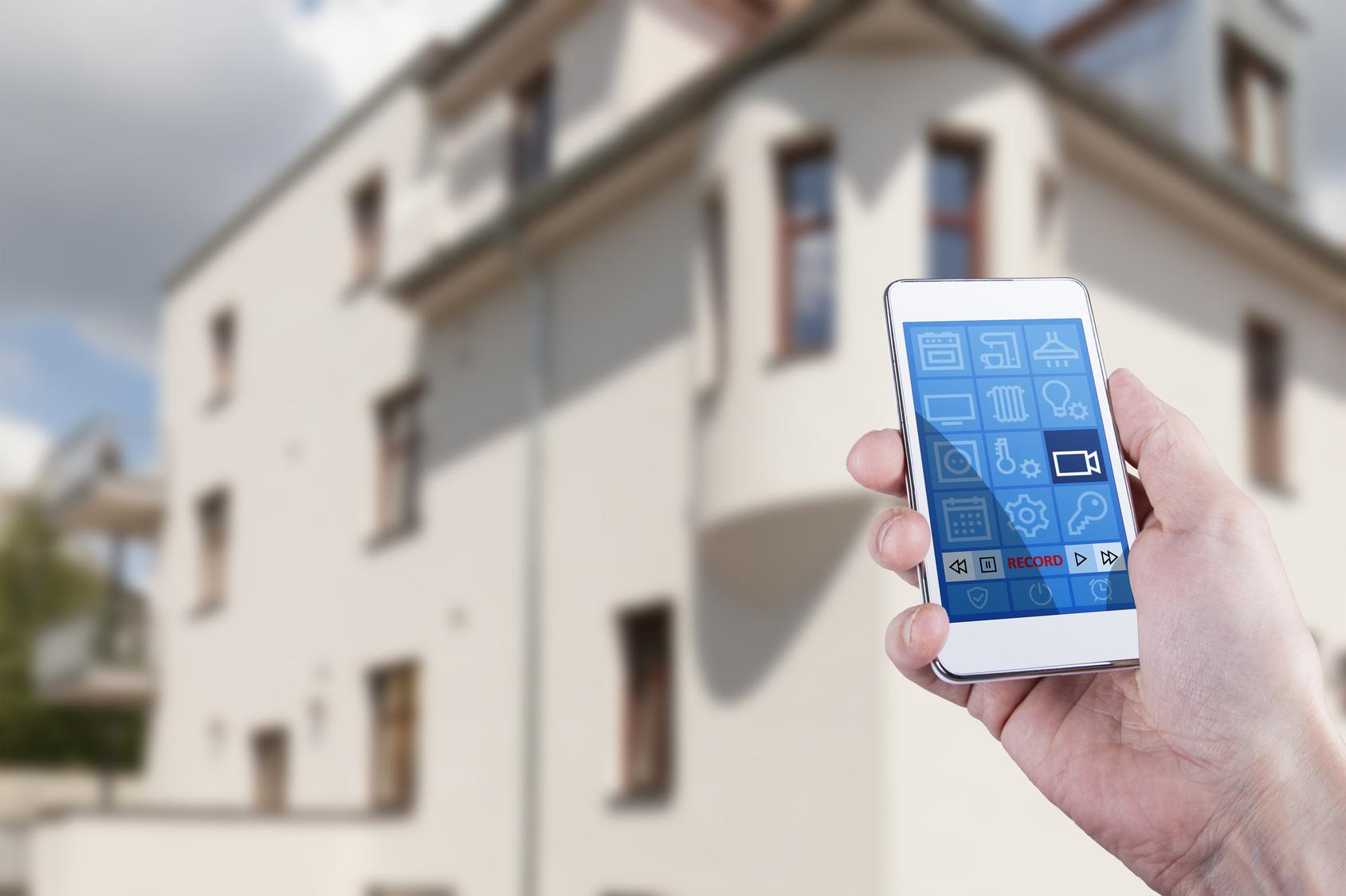 Passen Ihre Ansprüche Unter Ein Dach? Licht , Jalousie , Heizungs Steuerung  Und Mehr: Smart Home Ist Die Ideale Lösung Für Hohe Ansprüche An  Sicherheit, ...